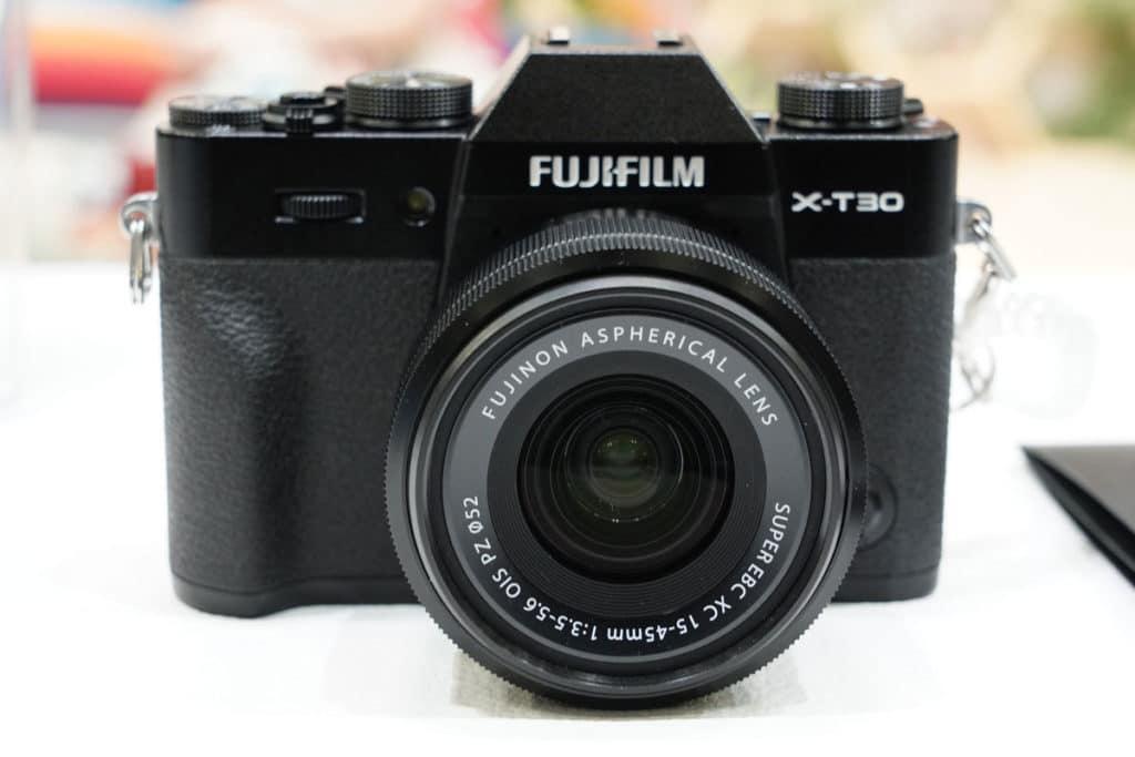 FUJIFILM X-T30の正面